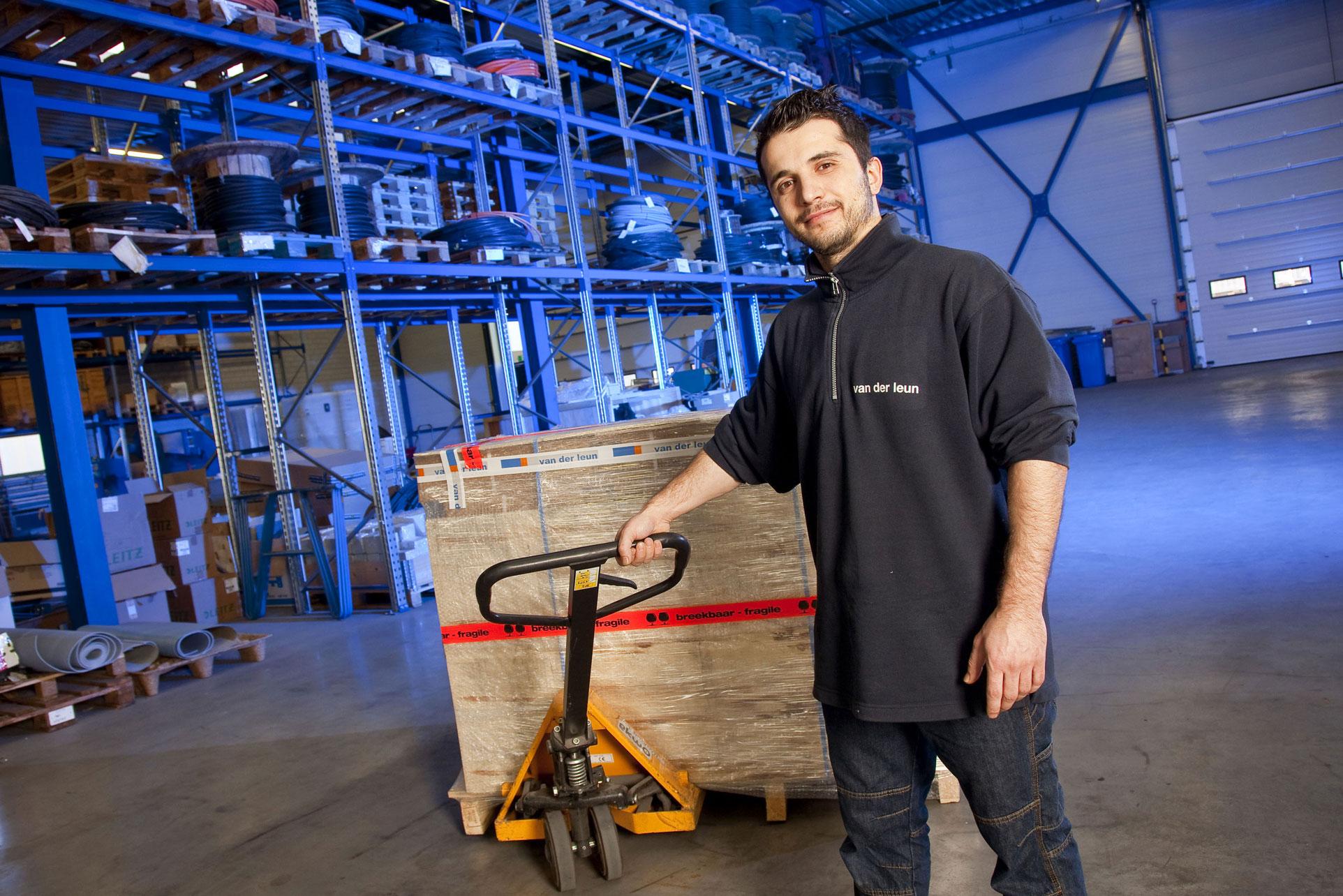 Specialist in electrical installations van der leun for Van der leun rijssen